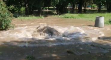 Park Skaryszewski pod wodą- pęknięcie rury