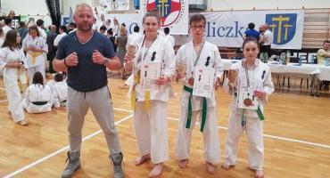 Medale szczecineckich karateków w Wieliczce