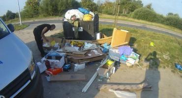 Podrzucił śmieci wraz ze swoimi fakturami