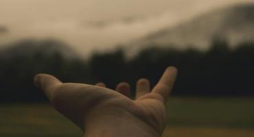 Implantacja esperalu – jak przygotować najbliższą osobę na zabieg?