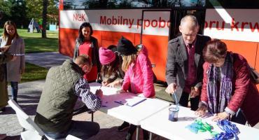 W Szczecinku oddawali krew dla małej Gabrysi