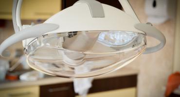 Implantologia w walce o zdrowy i estetyczny uśmiech