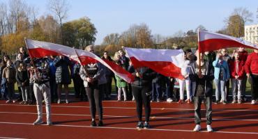 Niepełnosprawni uczniowie biegali z Niepodległą