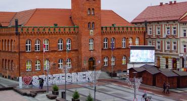 I ❤️ Szczecinek. Nowy podświetlany napis na placu Wolności