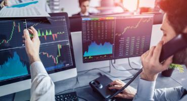 Czym są i kiedy warto kupować fundusze akcyjne?