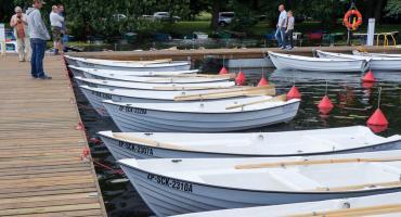 Stanica wędkarska w Szczecinku: Ogłoszenie o obowiązku opłaty za cumowanie łodzi