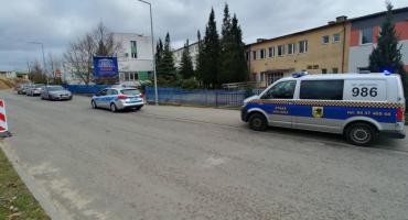 Radiowóz straży miejskiej stuknął w zaparkowany samochód i odjechał?
