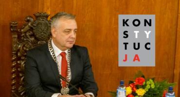 Rzecznik Praw Obywatelskich: Burmistrz Szczecinka narusza nie tylko Prawo Prasowe ale także zapisy w Konstytucji RP