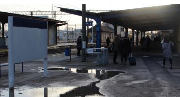 Pociąg naprawiany drutem ze Szczecinkiem po drodze