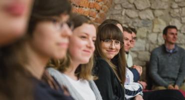 Licealistki ze Społecznej na artystycznych warsztatach w Krakowie