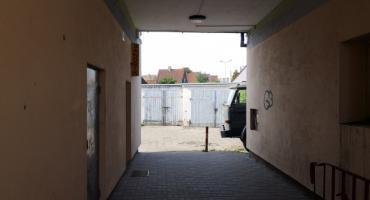 Piją nie tylko w bramie na Spółdzielczej. Co zgłaszamy dzielnicowym w Szczecinku?