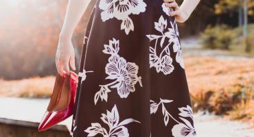 Spódnice na różne okazje — co do pracy, a co na wieczór?