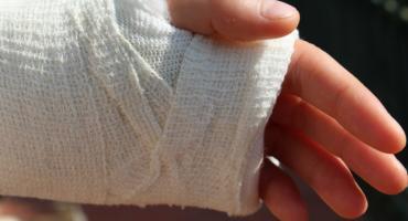 Ze złamaną ręką do Koszalina? To może nie wystarczyć