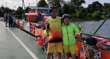 Małżeństwo ze Szczecinka pomaga chorej Nadii. Mija kolejny dzień rowerowego rajdu
