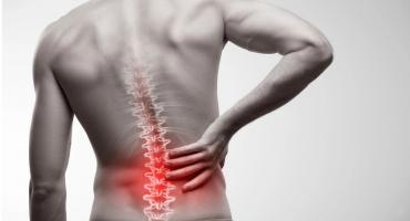 Czy korektor postawy pomoże w przypadku chronicznego bólu pleców?