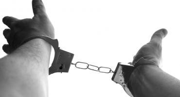Policjanci i pracownicy banku zapobiegli oszustwu