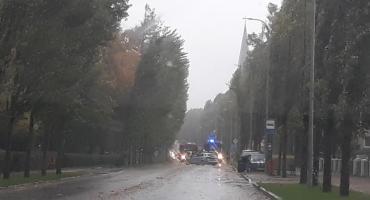 Silny wiatr nad Szczecinkiem. Wichura łamała drzewa, interweniowali strażacy