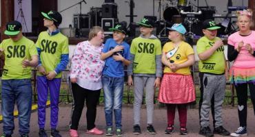 Mówią bez słów! Uczniowie SOSW w Szczecinku chcą pobić rekord Polski