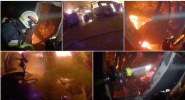 Pożar Opaku okiem strażaka. Zobacz nagranie akcji gaśniczej z kamery na hełmie