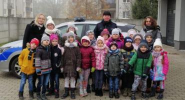 Dzieci były ciekawe, jak pracują policjanci