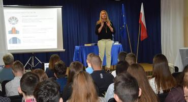 Elżbieta Łukacijewska rozmawiała o Europie z uczniami SP nr 11 (ZDJĘCIA, WIDEO)
