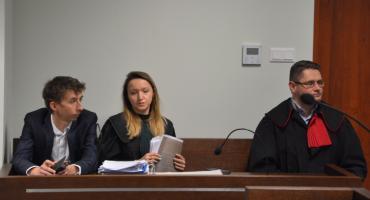 M. Ryznar zgłosił podejrzenie popełnienia przestępstwa przez senatora M. Golbę i adwokatów Dworaka