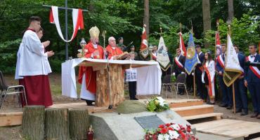 W 75. rocznicę rozstrzelania zebrali się w Lesie Kidałowickim