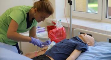 Pielęgniarstwo w PWSTE na najwyższym poziomie
