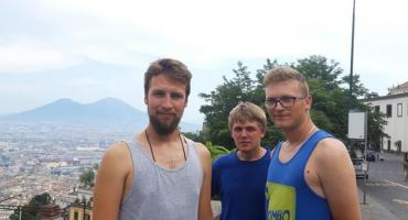Wyprawa charytatywna dotarła do Neapolu