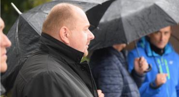 Burmistrz kontra JKS - spór na  Facebooku