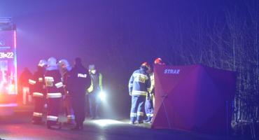 Dwie ofiary śmiertelne: 22-letni kierowca vw polo zmarł w szpitalu, kierujący oplem zginął na miejscu
