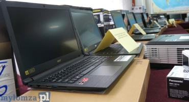 Sprzęt trafił do łomżyńskich szkół [FOTO]