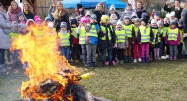 Łomża: Dzieci pożegnały zimę i powitały wiosnę [VIDEO i FOTO]
