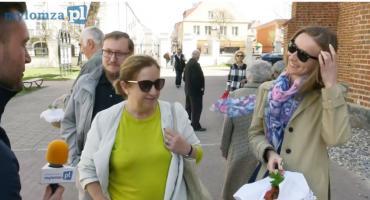 Wielkanocna sonda uliczna. Co mieszkańcy Łomży mieli w koszykach? [SONDA VIDEO]
