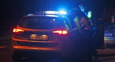 Ul. Nowogrodzka: Wpadł pijany kierowca fiata