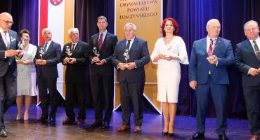 20-lecie Powiatu Łomżyńskiego: Wiele nagród i podziękowań [VIDEO i FOTO]