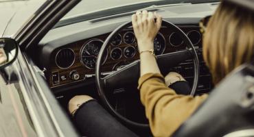 Kupujesz samochód? Najpierw sprawdź, jakie OC zapłacisz