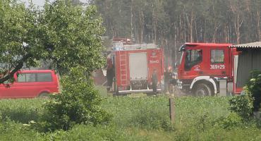 Spadł do głębokiego wykopu. Mężczyznę wydobyli strażacy! [FOTO]