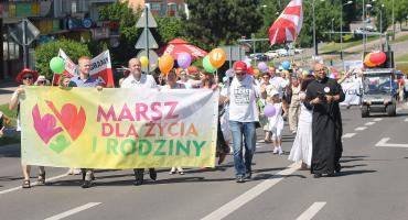 Marsz dla życia i rodziny przeszedł ulicami Łomży [VIDEO i FOTO]