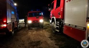 Nowogród: Wszedł na wysepkę i nie mógł wrócić. Nocna akcja służb ratunkowych na Narwi [FOTO]