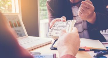 Jak rozsądnie pożyczać? 3 kroki do korzystnego kredytu