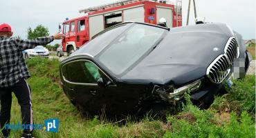 Nowe BMW uderzyło w betonowy przepust [FOTO]
