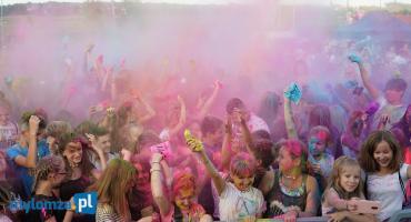 Kolor Fest. Wielobarwny tłum bawił się na łomżyńskich bulwarach [VIDEO i FOTO]