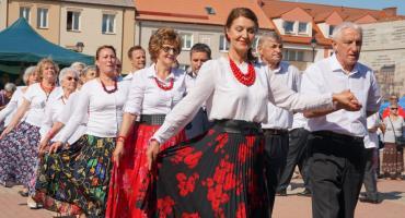 Seniorada 2019: Łomżyńscy seniorzy świętowali na Starym Rynku [VIDEO i FOTO]