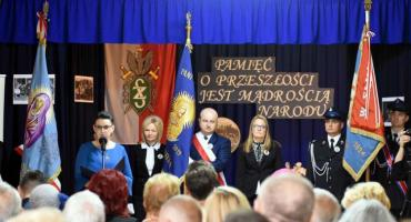 Szkoła w Olszynach ma imię i sztandar [FOTO]