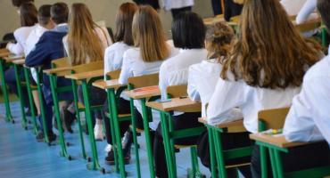Cięcia w oświacie. Co zmieni się w szkołach i przedszkolach w Pile?