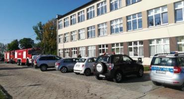 Alarmy bombowe w 5 szkołach w powiecie