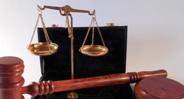 58-letni mężczyzna oskarżony o molestowanie nieletniej