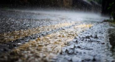 Ostrzeżenie przed silnym deszczem i burzami