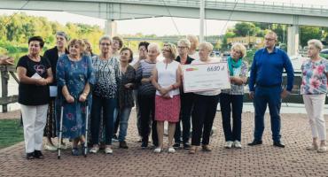 """Pułtuskie Amazonki ze wsparciem finansowym """"Ligi Charytatywnej"""" Santander Aviva"""